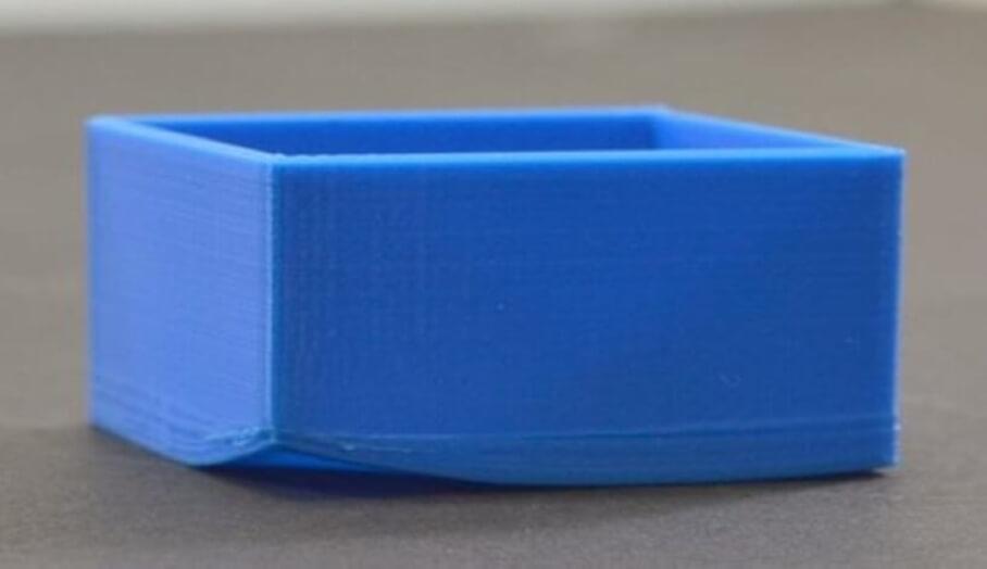 如何在3D打印軟件中設定去解決模型翹邊問題呢?