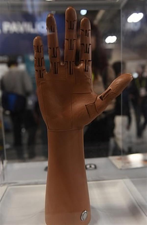 配備AI系統的3D打印義肢