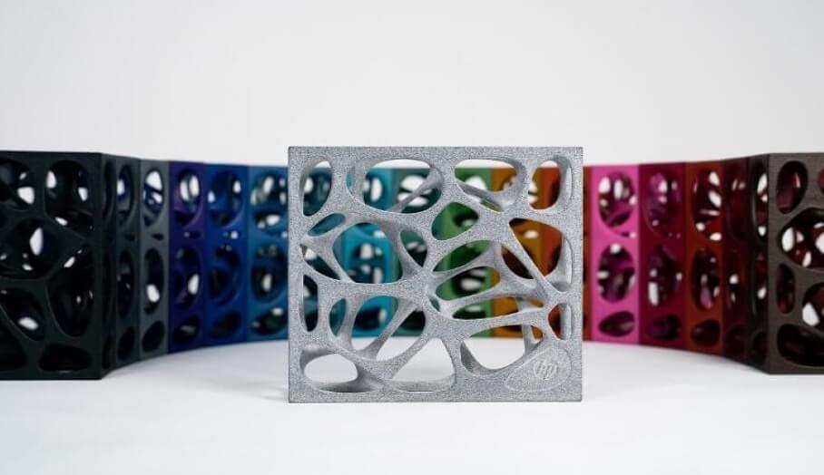 DyeMansion推出了用於後處理HP MJF3D印刷零件的17種鮮豔新顏色
