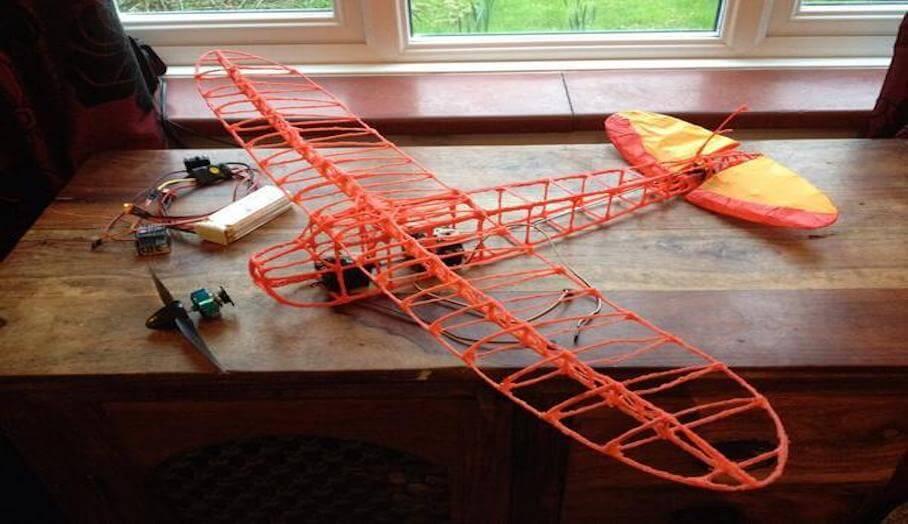用3D 打印筆畫出你的遙控飛機