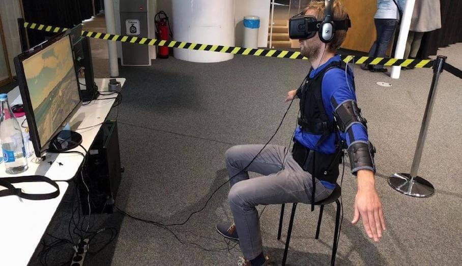 利用身體擺動直接控制無人機飛行?