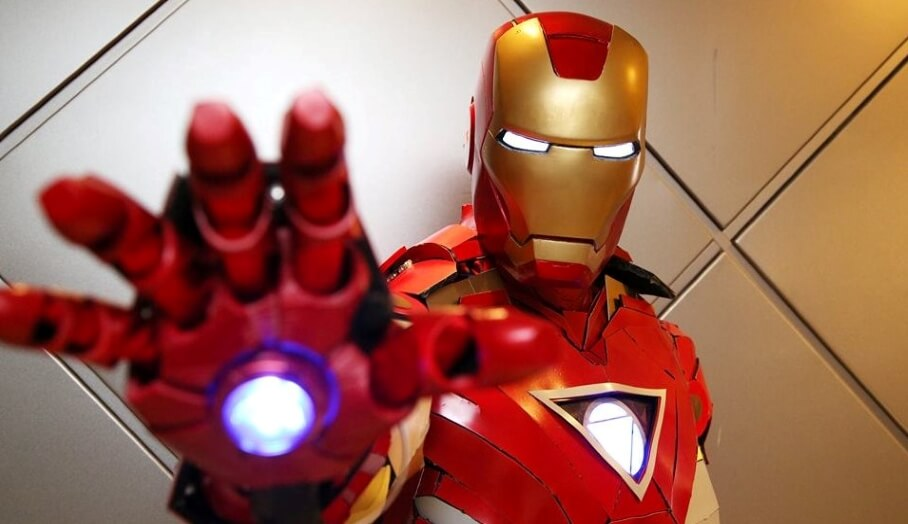 香港發燒友自製3D打印Iron man 盔甲