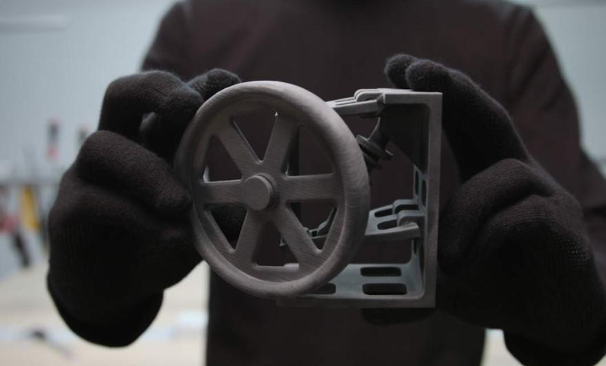 這款小型桌上SLS 3D打印機終於推出了!
