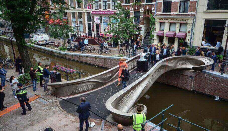 阿姆斯特丹的 3D 打印鋼橋終於開放了!1_1